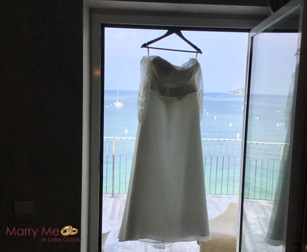 How to Transport a Wedding Dress to a Destination Wedding
