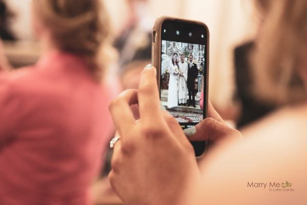 Social Media Policy for your Wedding Day